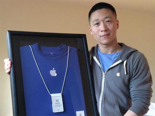 Thẻ nhân viên Apple được đấu giá trên eBay
