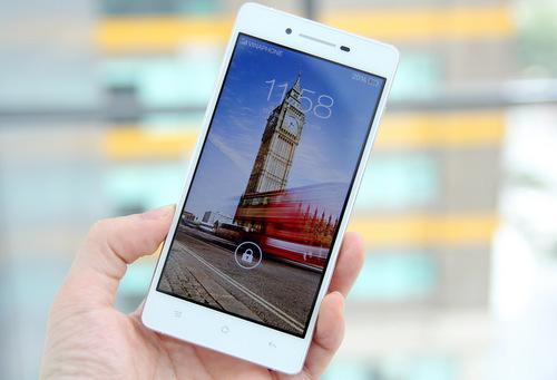 Oppo R1 có giá 8,99 triệu đồng dáng mỏng